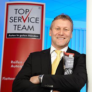 TOP SERVICE TEAM